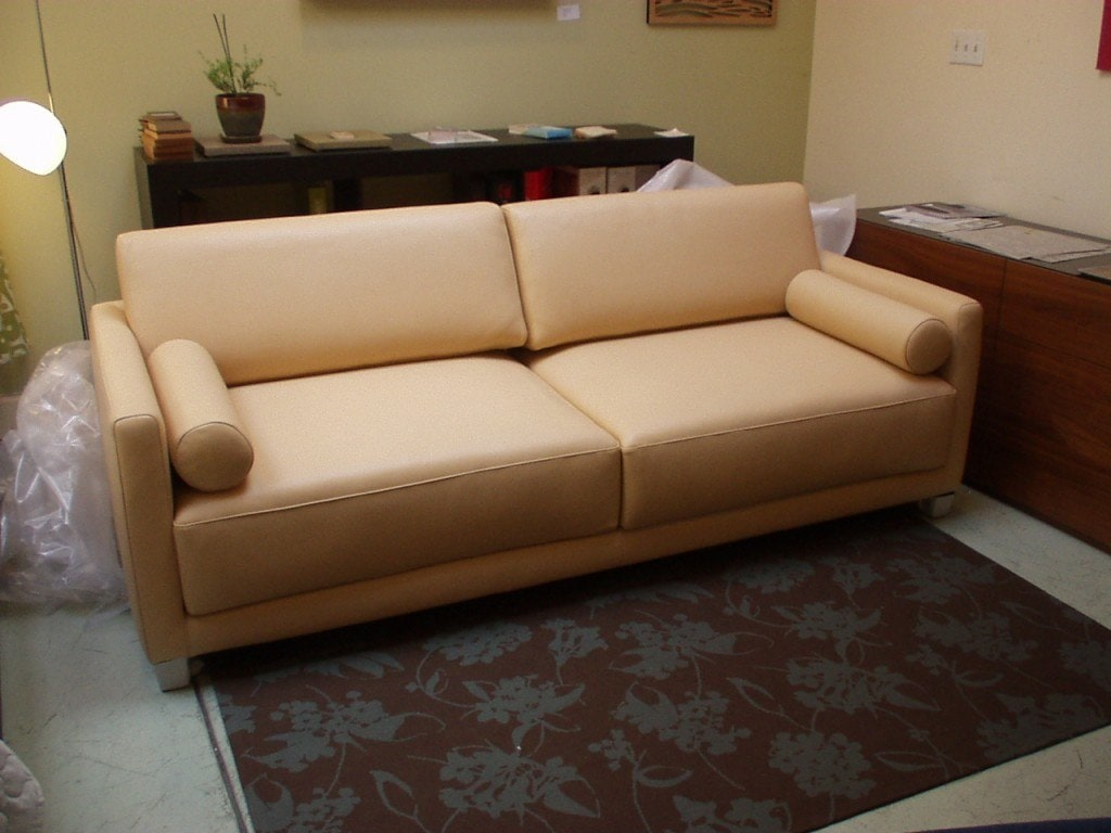 Sectionals Sofas Love Seats Sleepers and Storage Ottomans